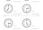 ここでは、小学1年生の算数単元「おおきさくらべ・とけい10」の問題を紹介しています。苦手な子が多い、時刻の読み方を求めていきます。針の位置による数値の読み方と時間の基礎を反復学習していきます。