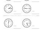 ここでは、小学1年生の算数単元「おおきさくらべ・とけい13」の問題を紹介しています。苦手な子が多い、時刻の読み方を求めていきます。針の位置による数値の読み方と時間の基礎を反復学習していきます。