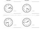 ここでは、小学1年生の算数単元「おおきさくらべ・とけい18」の問題を紹介しています。苦手な子が多い、時刻の読み方を求めていきます。針の位置による数値の読み方と時間の基礎を反復学習していきます。